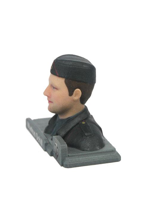 Мужское лицо на фигурке из WOT